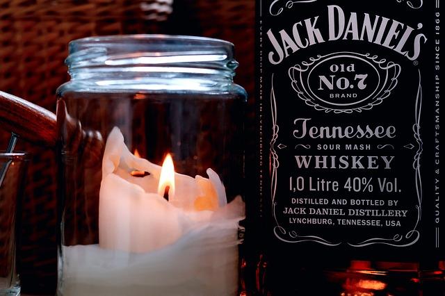 Jack Daniel's im Kerzenschein