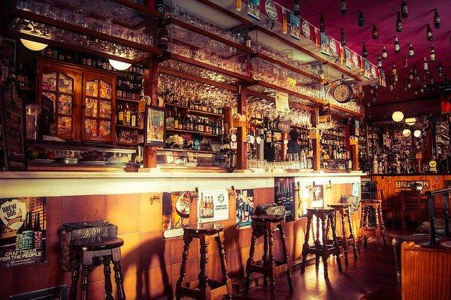 eine alte Bar